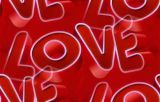 Love на красном фоне
